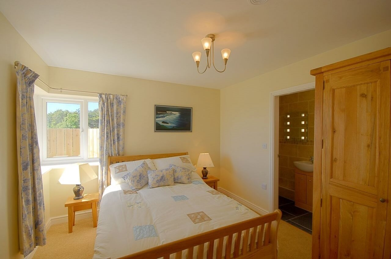 Anglesey cottage ensuite bedrooms