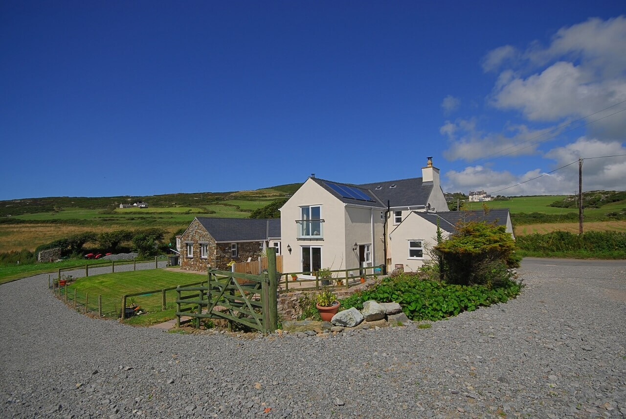 Gadlys Coastal Cottages Church Bay Anglesey Dog Friendly
