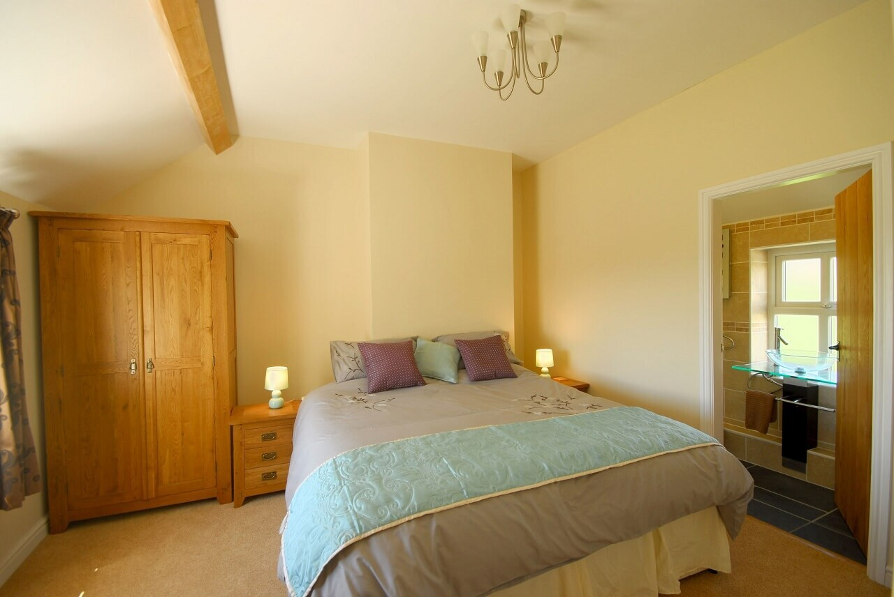 Ensuite bedroom with sea view Anglesey