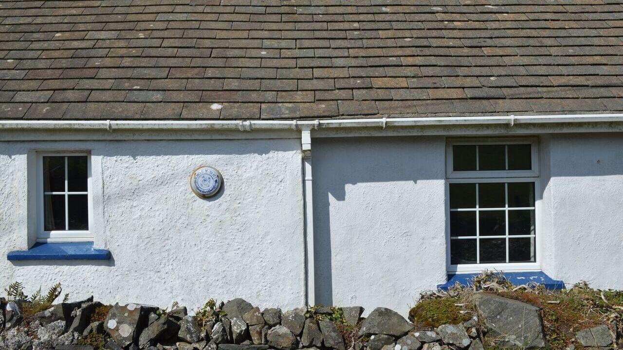 Character dog friendly  self catering cottage